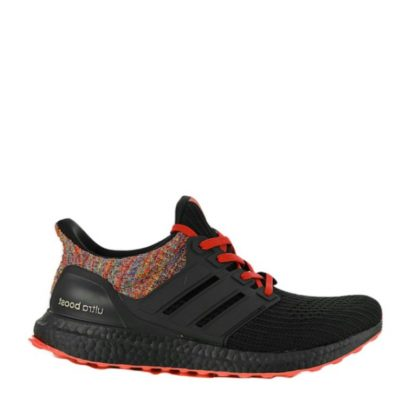 adidas released the Ultra Boost 4.0 'Core Black' in November 2016. The rear portion of the shoe, along with the midfoot cage and full-length Boost midsole, is rendered in Core Black.